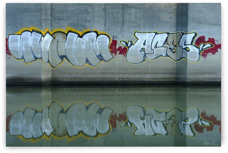 Reflet sous un pont - Reflection under a bridge by Pierre Cavale