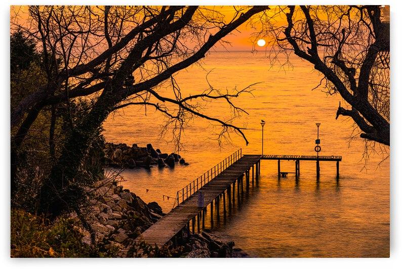 Sunrise reflection  by martin ashak