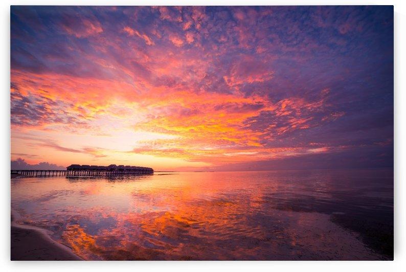Beautiful tropical beach sunset by Levente Bodo