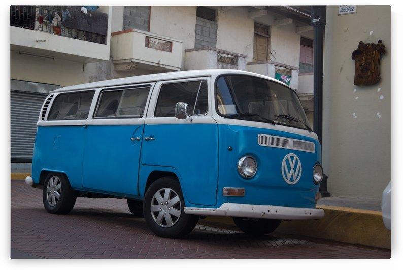 The blue VW van by Luis Augusto Henriquez