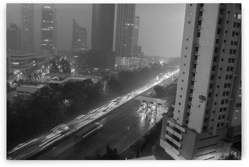Raining  by Luis Augusto Henriquez