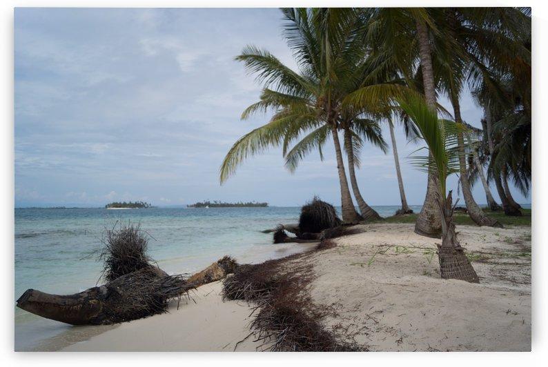 San Blas Island 4 by Luis Augusto Henriquez