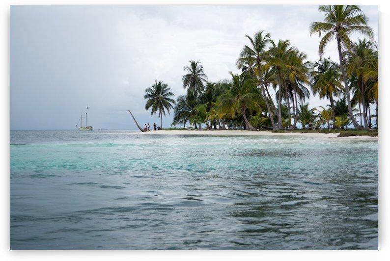 San Blas Island 1 by Luis Augusto Henriquez
