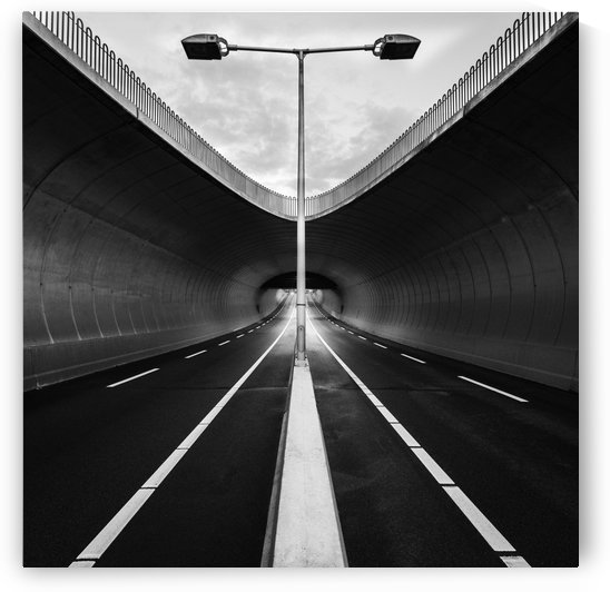 tunnel by 1x