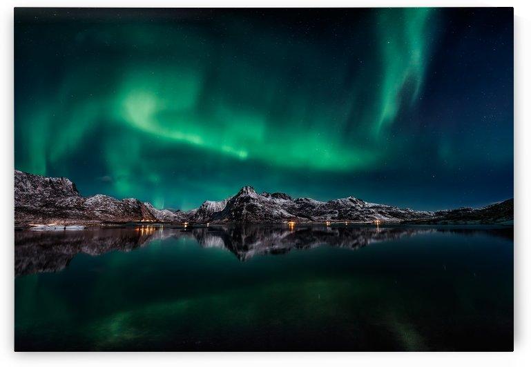 Lofoten Aurora Reflection by 1x