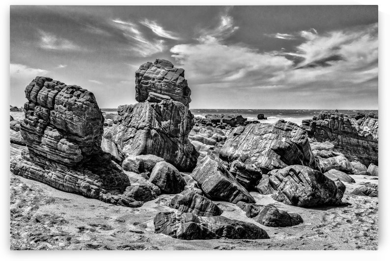 Rocks at Shore in Praia Malhada Jericoacoara Brazil copia by Daniel Ferreia Leites Ciccarino
