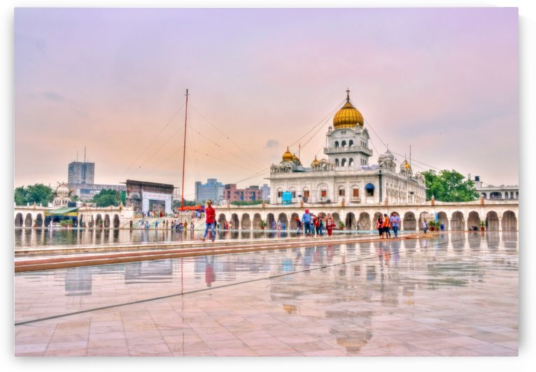Gurudwara Bangla Sahib by Roshan Raj