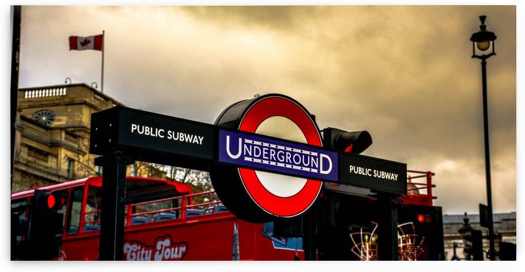 London Subway by Mathieu CHBK