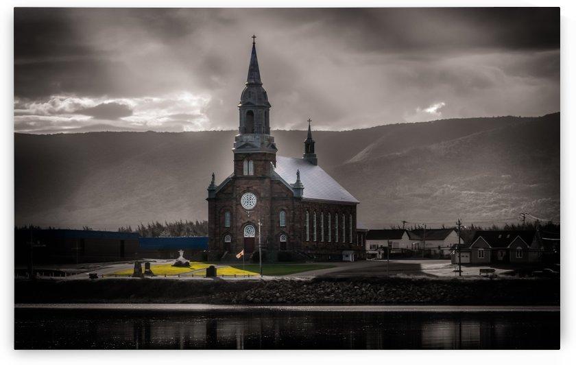 Eglise saint-Pierre by Lisa Poirier