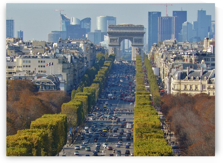 Arc d'Triompe up the Champs Elysees by Andy Jamieson