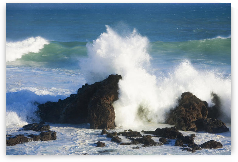 Hawaii, Maui, Ho'okipa, Big Winter Surf Crashing On Rocks. by PacificStock