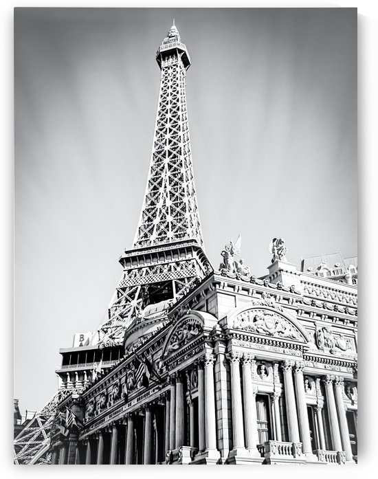 Eiffel tower at Las Vegas, USA in black and white by TimmyLA