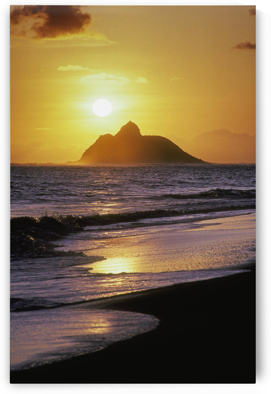 Hawaii, Oahu, Kailua, Lanikai Beach, Sunrise Over Mokulua Island. by PacificStock