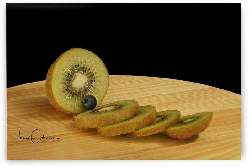 Kiwi by Ivan Cohene