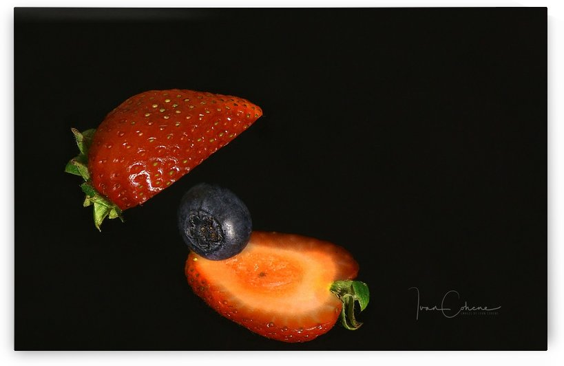 Strawberry by Ivan Cohene