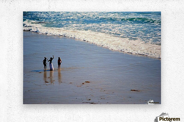 3 girls on California beach  Metal print