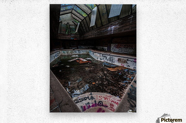 Abandoned Mansion Pool  Metal print