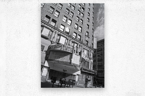 B&W The State Theatre - DTLA  Metal print