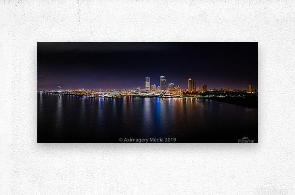 Milwaukee Skyline of Color  Impression metal