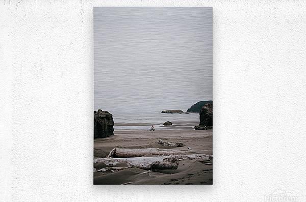 Cyclist on the beach  Impression metal