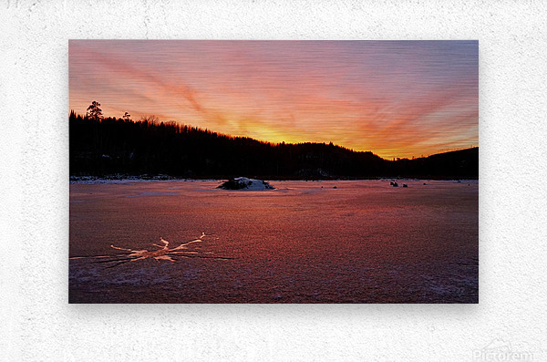 Scenic Fiery North Shore Sunset  Metal print
