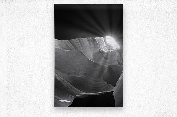 Light Cavern  Impression metal