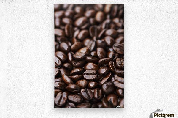 Medium dark roast Kona coffee beans close up; Holualoa, Big Island, Hawaii, United States of America  Metal print