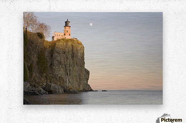 Minnesota, United States Of America; Split Rock Lighthouse On The North Shores Of Lake Superior With A Full Moon In The Sky  Metal print