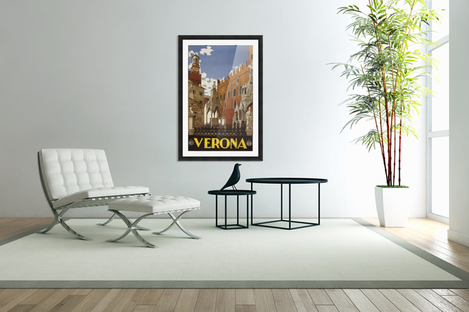 Verona in Custom Picture Frame