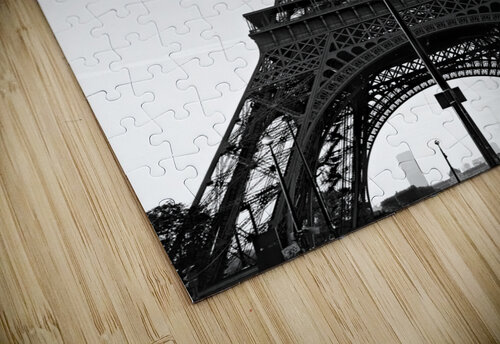 Eiffel tower in black  puzzle