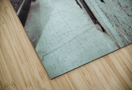 Solitary jigsaw puzzle