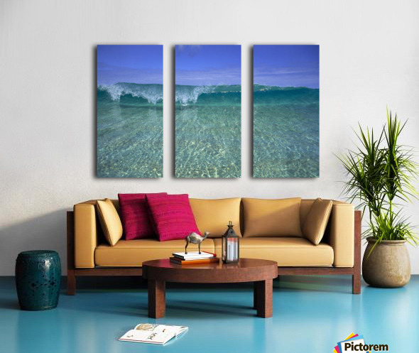 Hawaii, Front View Of Shallow Crystal Clear Aquamarine Wave, Curling A30D Split Canvas print