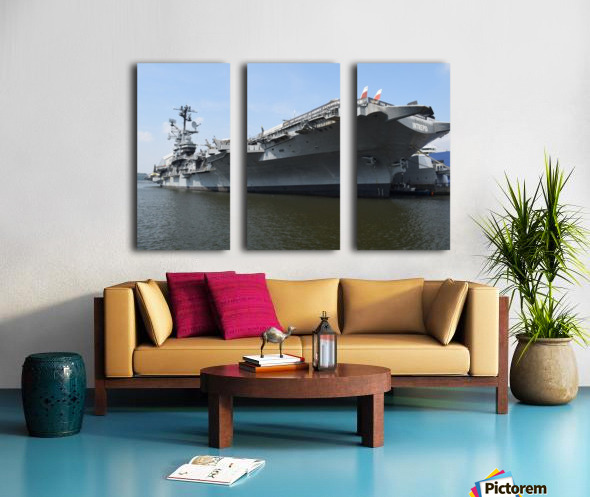 THE INTREPID, NEW YORK Split Canvas print