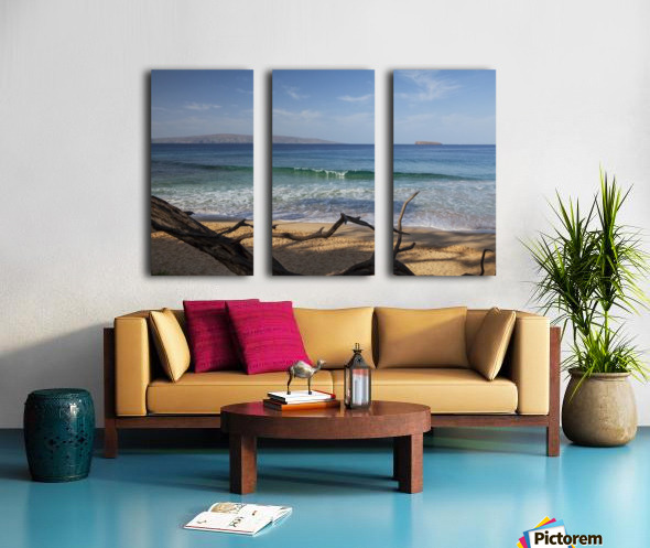 View of Kahoolawe and Molokini Islands from Little Beach at Makena Beach State Park; Maui, Hawaii, United States of America Split Canvas print