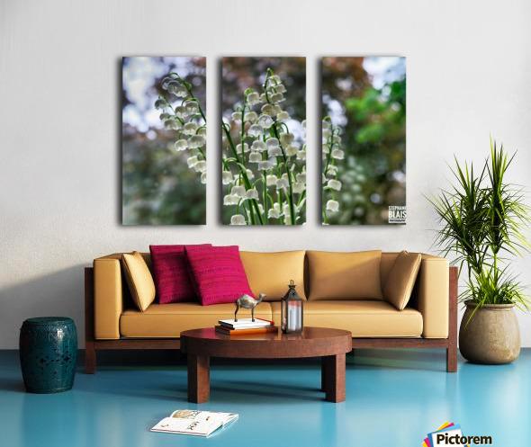 Thrush Flowers Split Canvas print