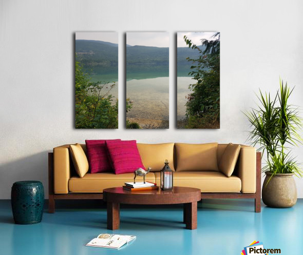 Crystal Clear White Lake Split Canvas print
