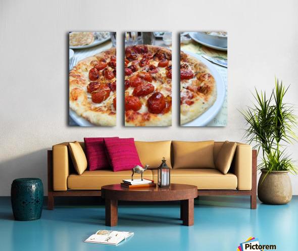 Pizza dans le Jardin de Nelson Split Canvas print