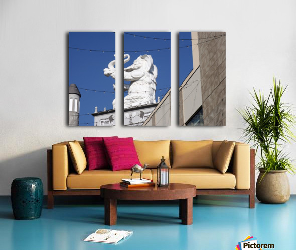 Hollywood Dancing Elephant Split Canvas print