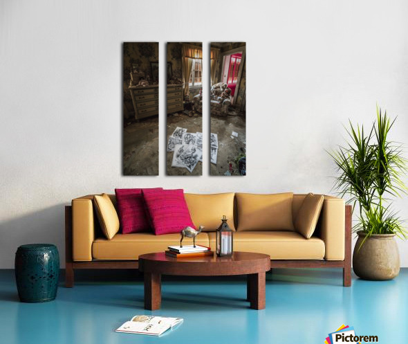 Abandoned Alice In Wonderland Room Split Canvas print