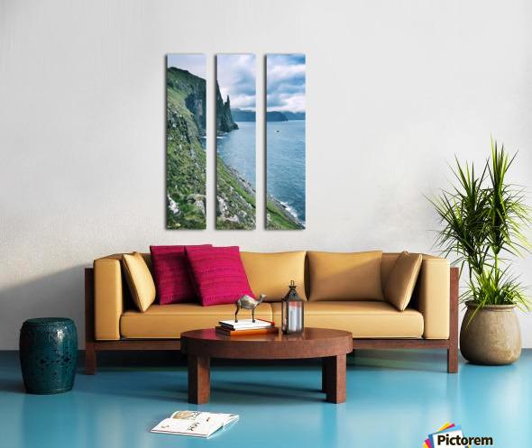 Trøllkonufingur Split Canvas print