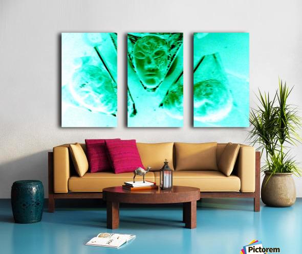 1540052276934 Split Canvas print