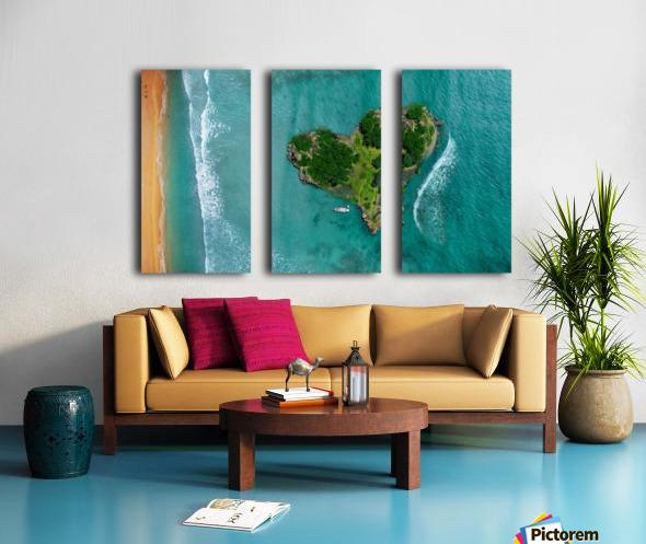 LOVE ISLAND Split Canvas print
