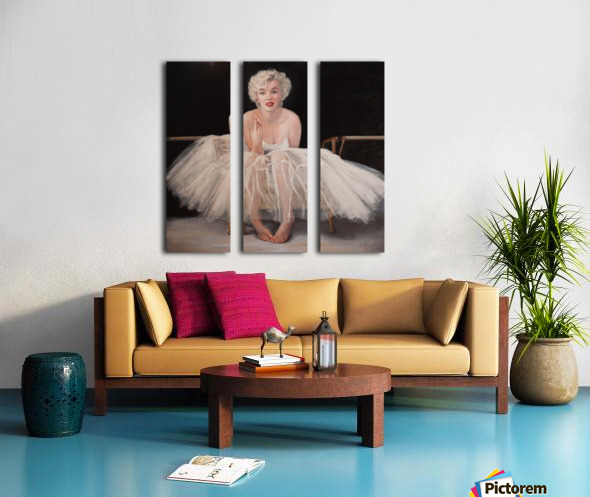 Marilyn in white ballet dress 1 Split Canvas print