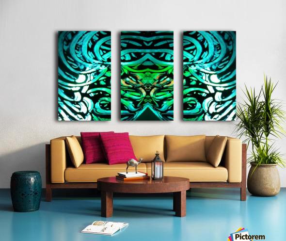 1544471536776 Split Canvas print