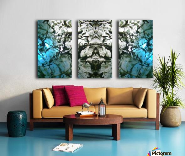 1545806438077 Split Canvas print