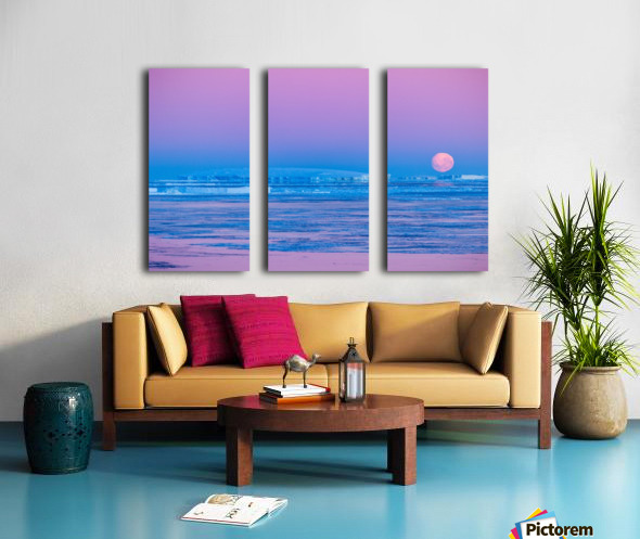 Low Moonset Close Up Split Canvas print