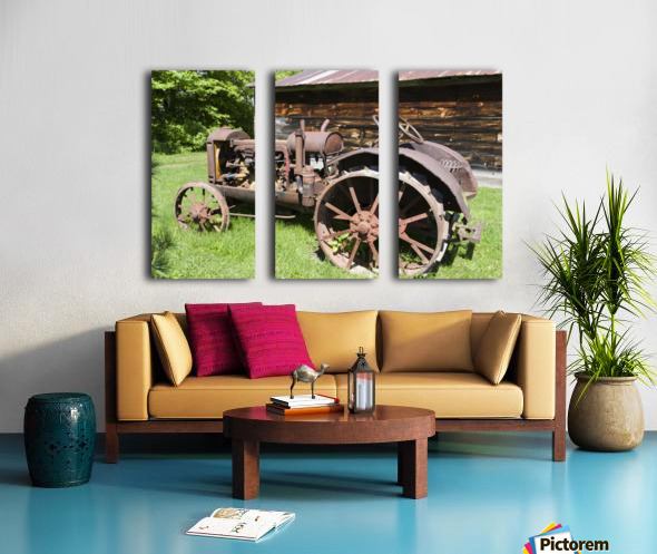 McCormick-Deering gasoline tractor 2 Split Canvas print