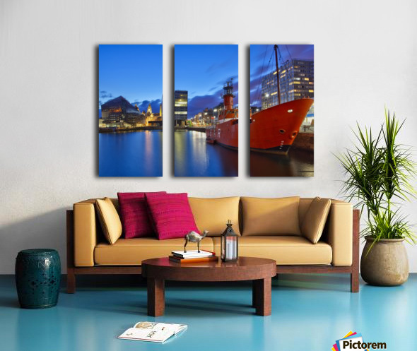 LIV 003 Liverpool Dock Split Canvas print