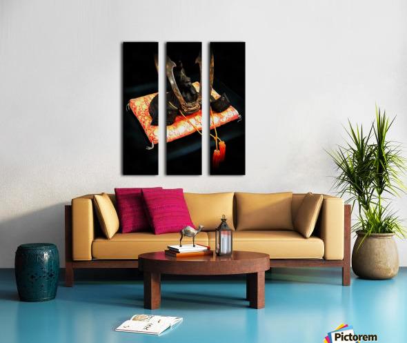 Samurai Helmet With Tassels Split Canvas print