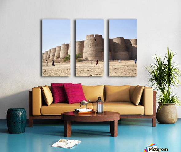 The majestic Derawar Fort in Pakistan Split Canvas print